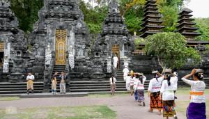 Bali - Ostbali - Karangasem - Goa Lawah_