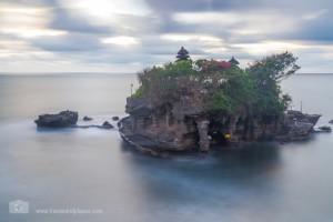 Der Tempel Tanah Lot an Balis Südwestküste
