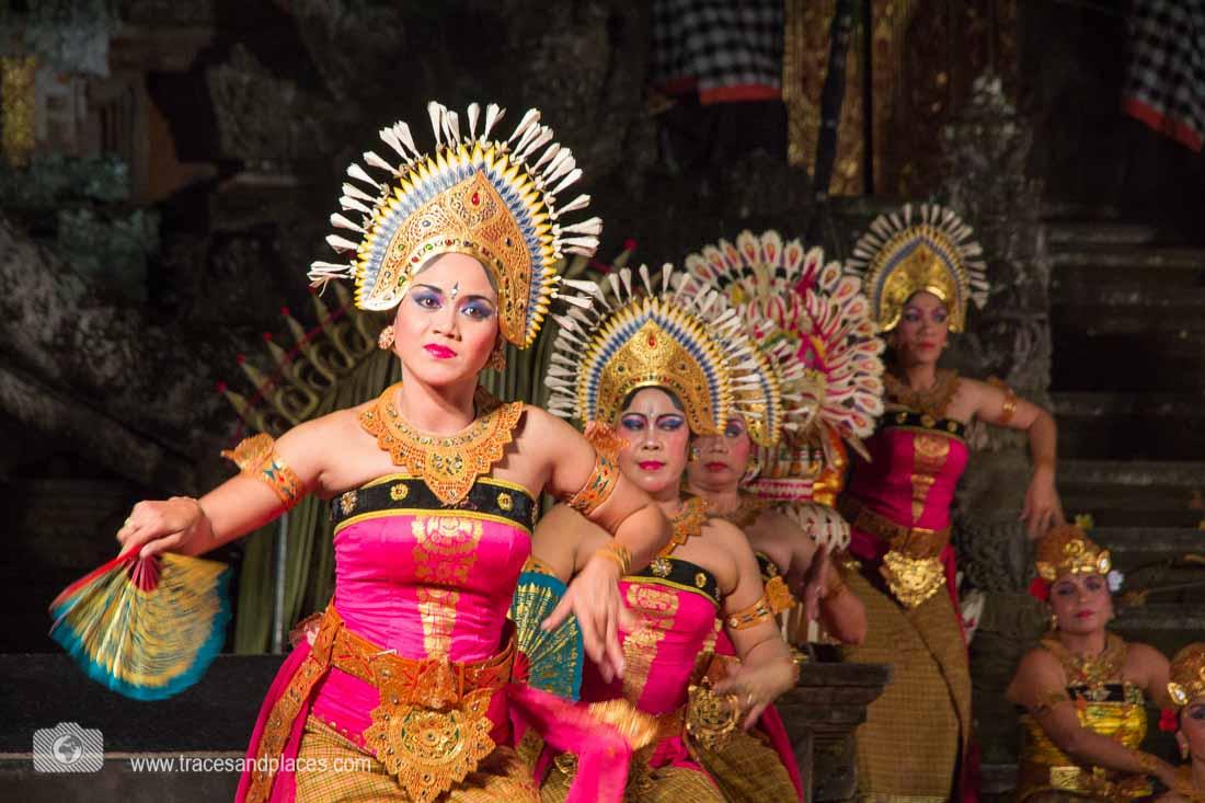 Balinesischer Tanz im Palast Puri Sahen