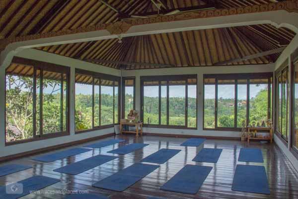 Yoga Intuitive Flow Ubud Penestanan Bali