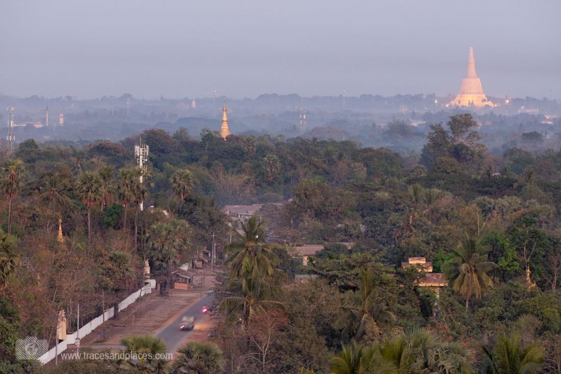Ausblick von Mahazedi Pagode in Bago