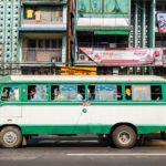 Bus in Yangos Altstadt