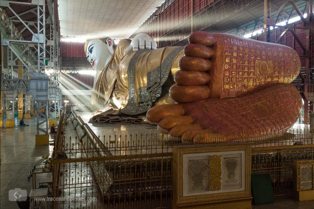 Liegender Buddha in Chaukhtatgyi Paya, Yangon