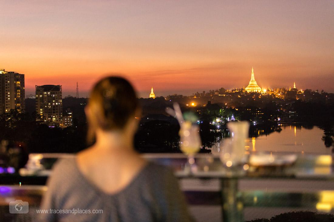 Goya Skybar- Ausblick auf Shwedagon Pagode