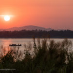 Sonnenuntergang am Fluss in Mawlamyaing