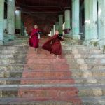 Mönche in Mawlamyaing