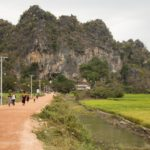 Weg zum Eingang der Saddan Höhle in Hpa-an