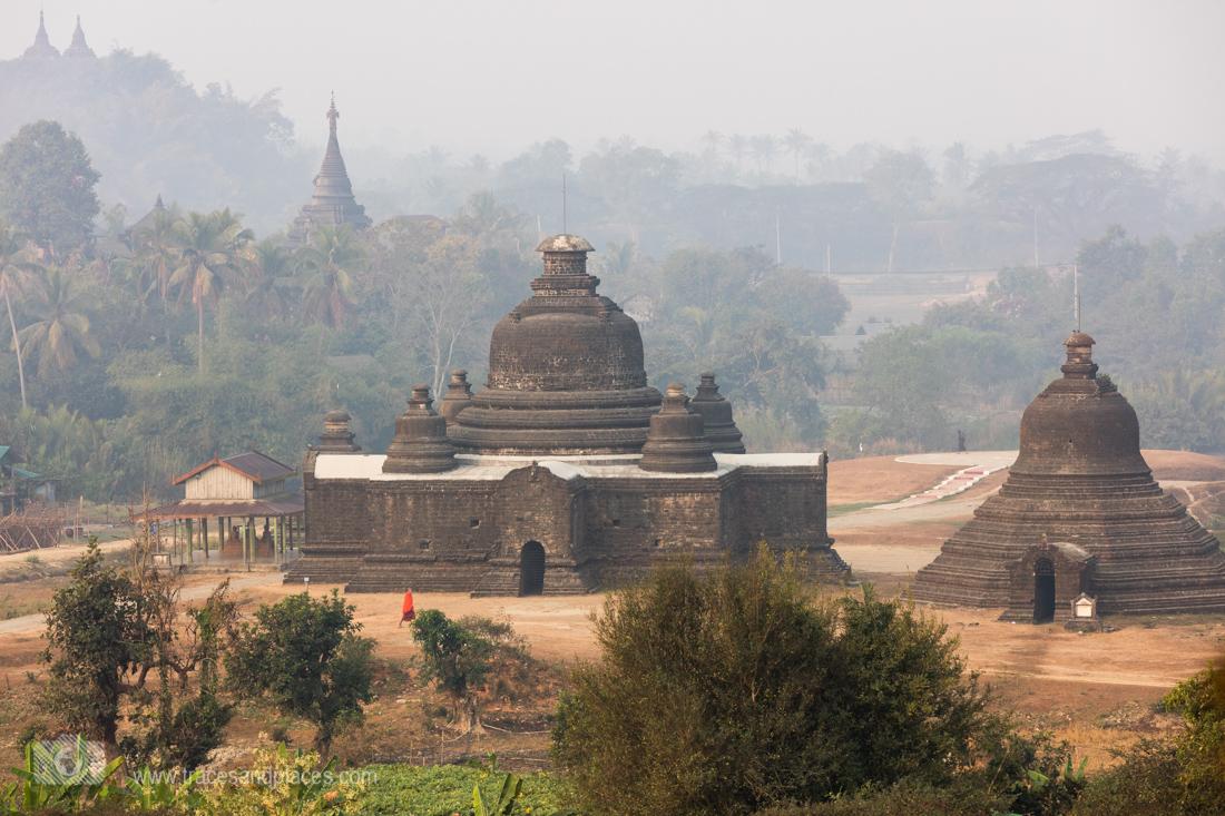 Die Tempel von Mrauk-U im Morgennebel