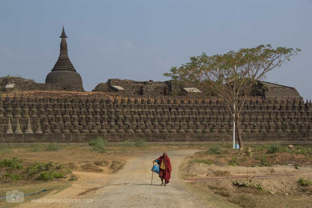 Ko Thaung Tempel mit Mönch