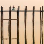 U-bein Brücke mit Fahrradfahrer